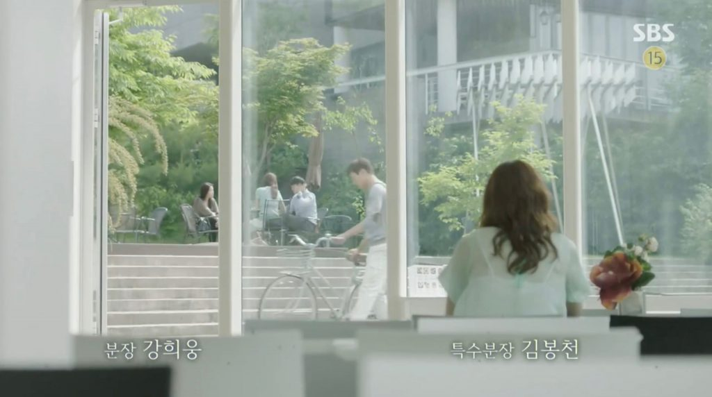 doctors-2016-filming-location-gallery-white-block-cafe-episode-3-b